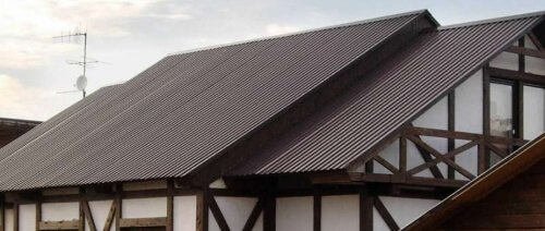 Профнастил НС-10 применение на крышу 8017 шоколад